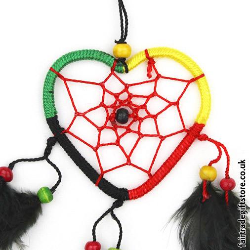 Fair-Trade-Dreamcatcher-Rasta-Heart-close-up