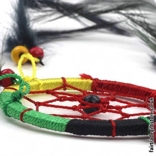 Fair-Trade-Dreamcatcher-Rasta-Small-Round-close-up