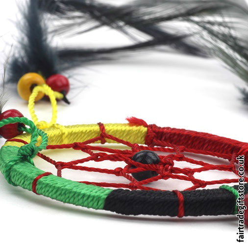 Fair-Trade-Dreamcatcher-Rasta-Small-Round-close-up