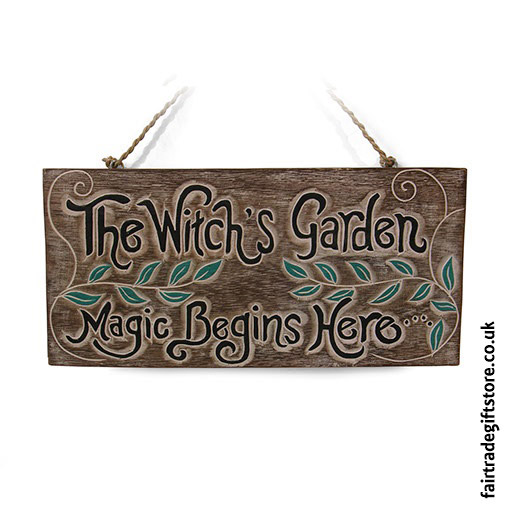 Fair-Trade-Wooden-Wall-Plaque-The-Witch's-Garden