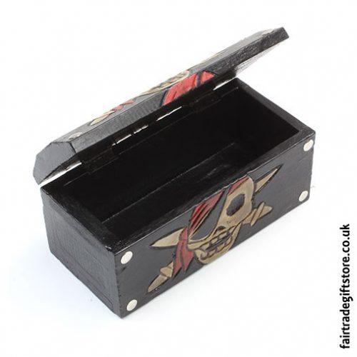 Fair-Trade-Trinket-Box-Pirate-Skull-Treasure-Chest-open