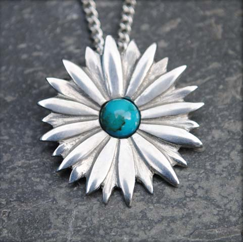 Handmade-Pewter-Daisy-Necklace-with-Turquoise-Gem