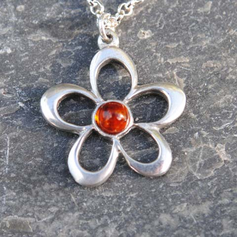 Handmade-Pewter-Flower-Necklace-with-Amber